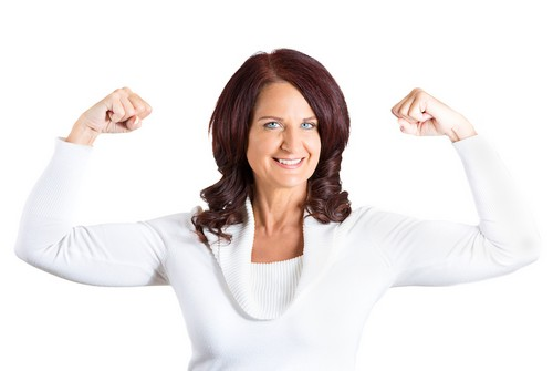 полная энергии женщина